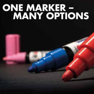 Je ein Marabu Yono Marker in Rot, Blau und Pink auf einem schwarzen Papier einsatzbereit für viele kreative Möglichkeiten